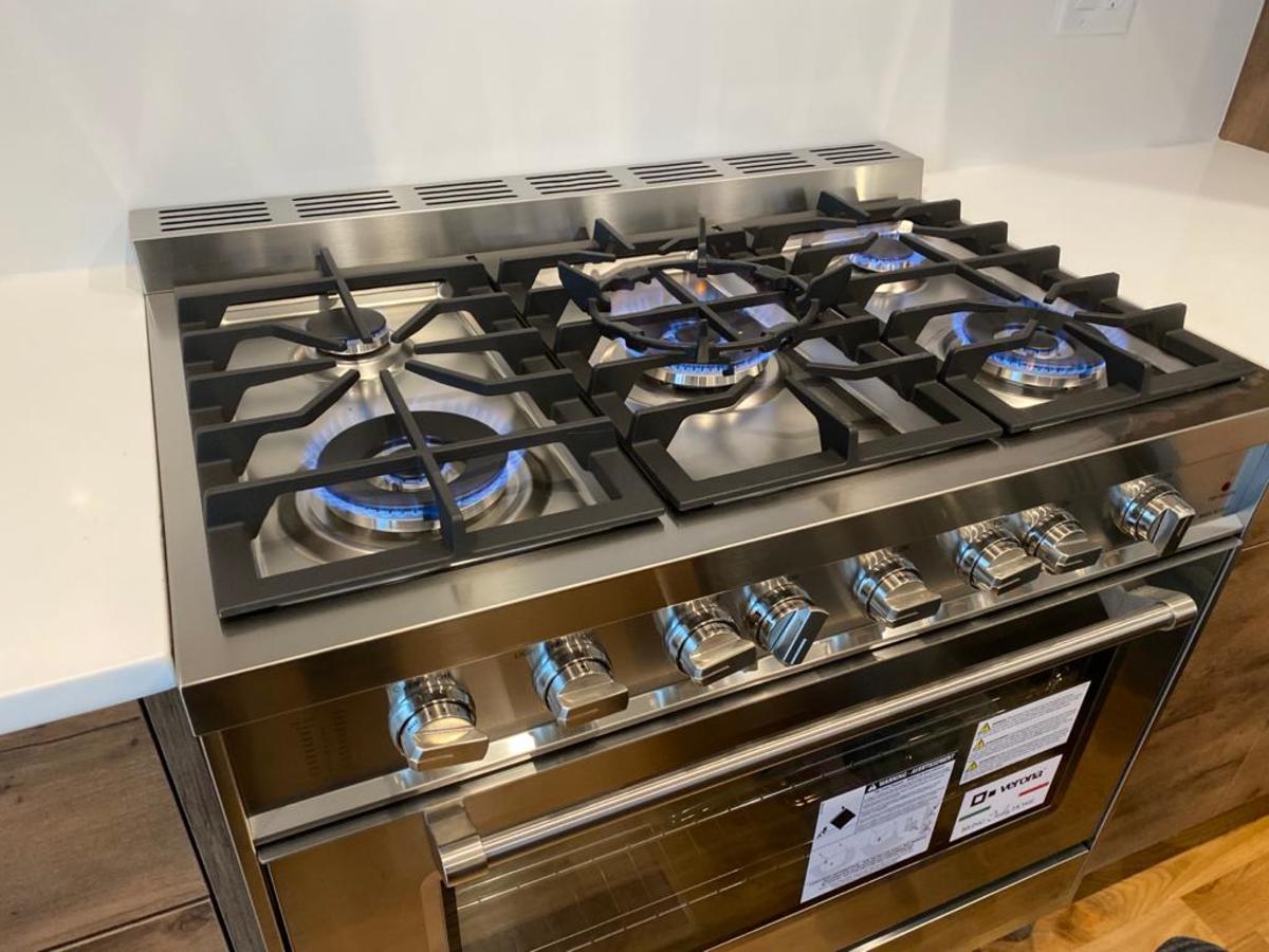 https://hvacofatlanta.com/wp-content/uploads/2020/06/Gas-stove_1200x900.jpeg