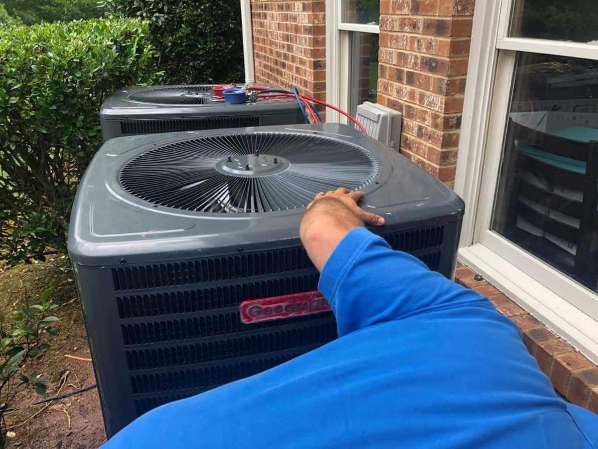 https://hvacofatlanta.com/wp-content/uploads/2020/07/heating-pump-repair.jpeg